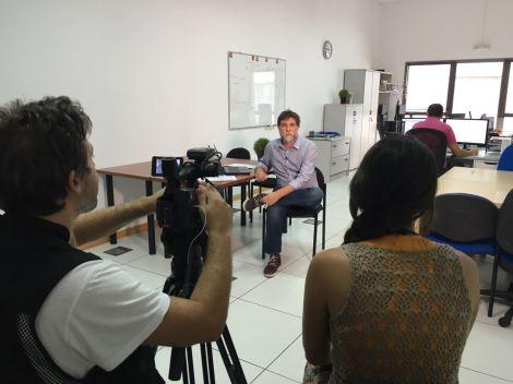 Javier Ortiz durante la grabación de la entrevista.